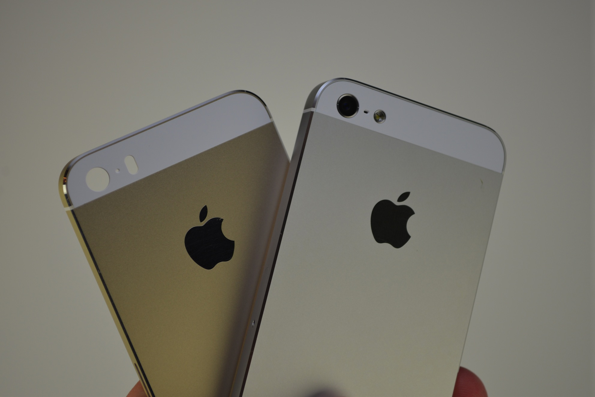 New pics of iPhone 5S and 5C – leaked
