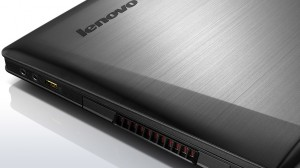 lenovo-laptop-ideapad-y500-closeup-cover-6L